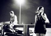 在寂寞的夜晚里我们各自张望